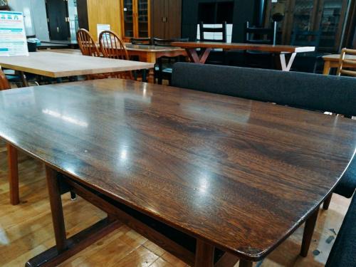 テーブルのベンチダイニングセット