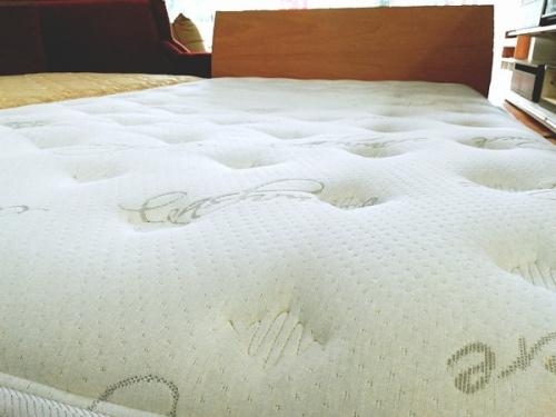 セミダブルベッドの日本ベッド