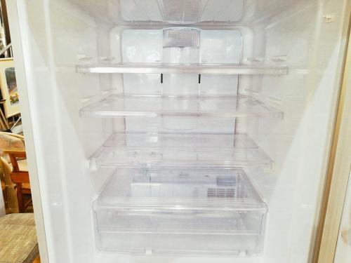 SHARPの3ドア冷蔵庫