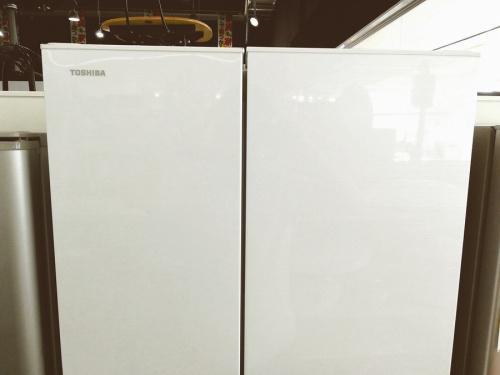 TOSHIBA 東芝の6ドア 冷蔵庫
