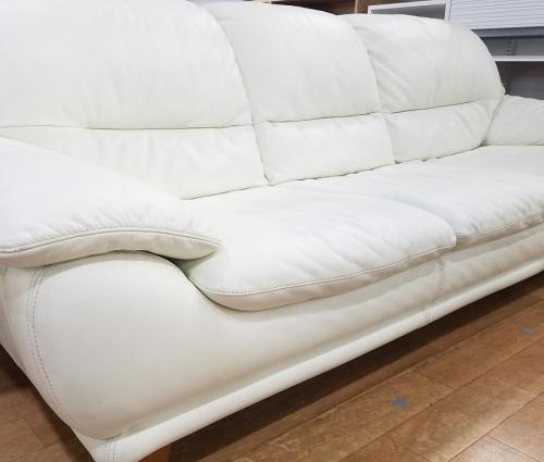 レザーワールドのソファ