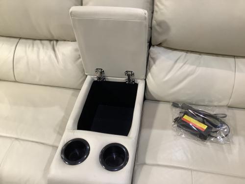 ニトリの電動リクライニングソファ