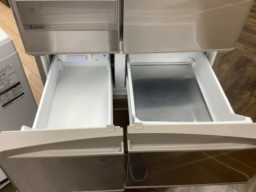 6ドア冷蔵庫の三菱
