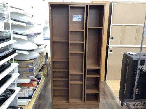 本収納のスライド書棚