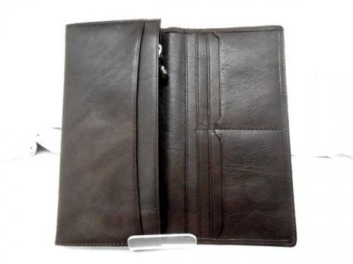 財布のBUTTERO