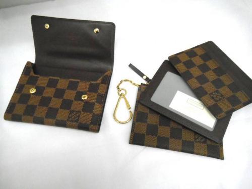 2つ折り財布のルイヴィトン(LOUIS VUITTON)