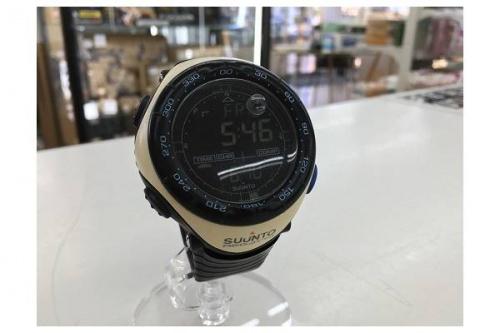 トレーニング用品の腕時計