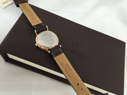 腕時計のDW