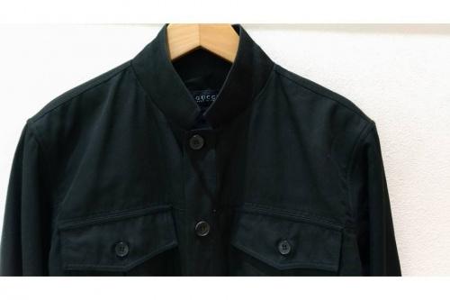 ジャケットのシャツ
