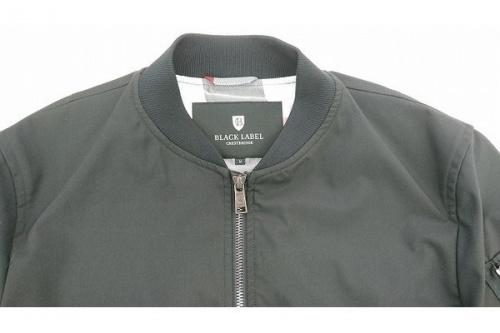 ジャケットのBLACK LABEL CRESTBRIDGE