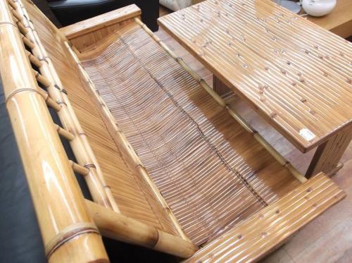 健康長椅子のテーブル