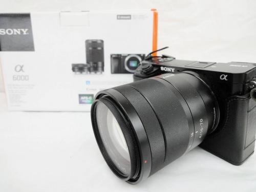 デジタル家電のミラーレス一眼カメラ