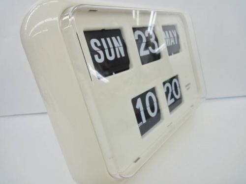 雑貨のデジタルカレンダークロック