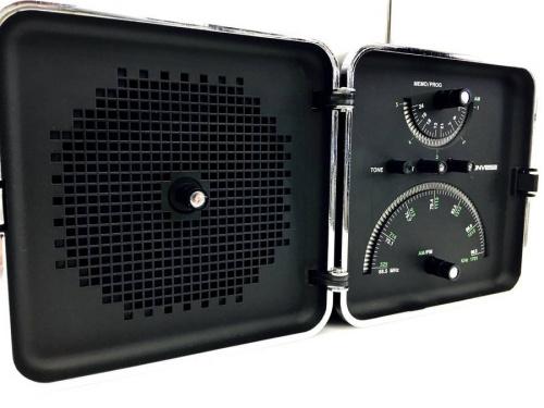 デジタル家電のコンパクトラジオ