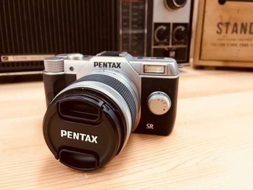 デジタル家電のコンパクトカメラ