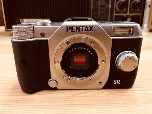 コンパクトカメラのデジタル一眼カメラ