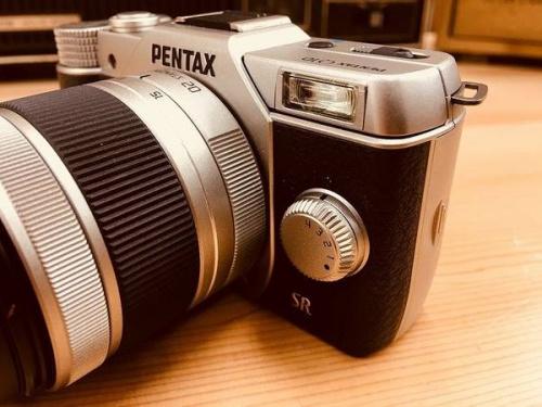 PENTAXのQ10