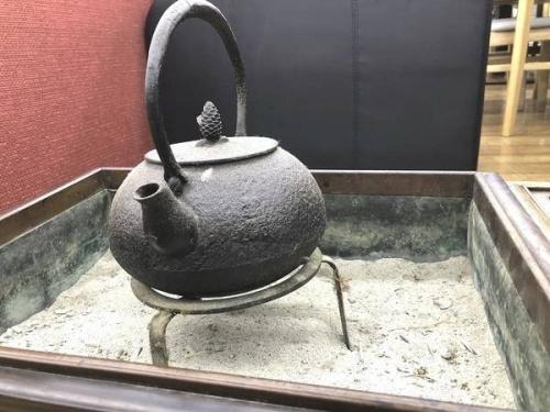 火鉢の鉄瓶