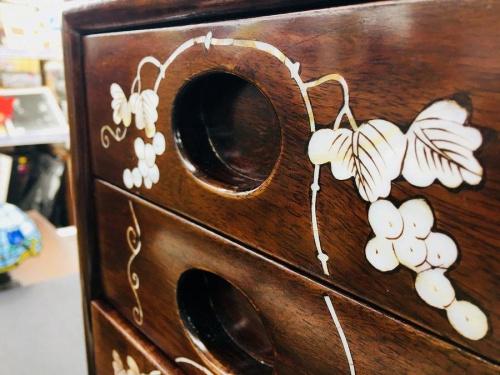 家具の螺鈿細工 中古