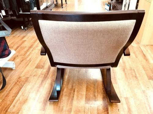 豊橋木工 ロッキングチェアの豊橋木工 椅子 中