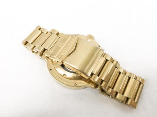 腕時計のニクソン