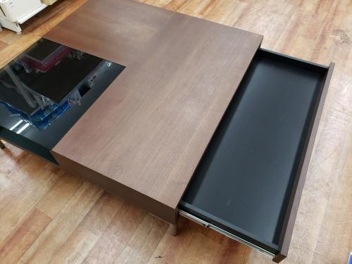 テーブルのBOCONCEPT