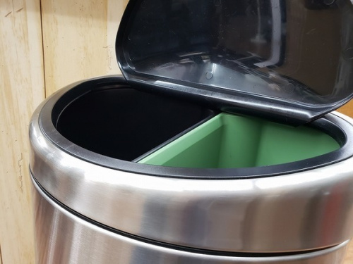 家具のゴミ箱