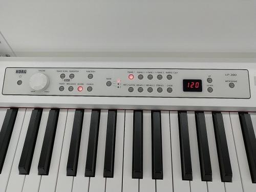ピアノのKORG