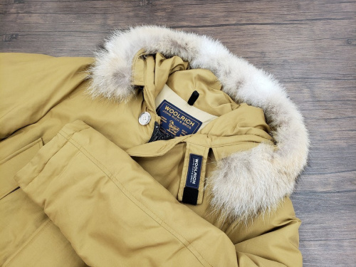冬物衣類のダウンジャケット