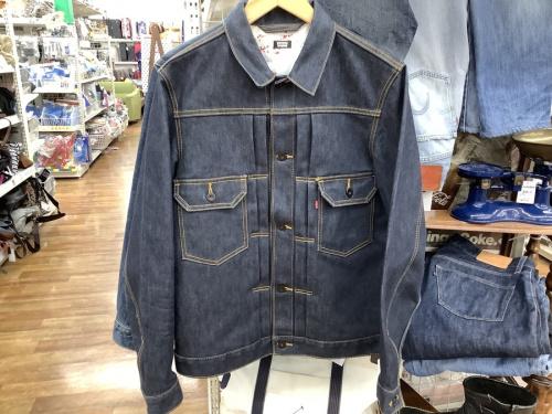 レザーシューズのジャケット
