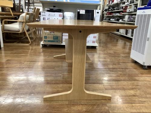 ダイニングテーブルの無印良品