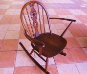 家具・インテリアのロッキングチェアー