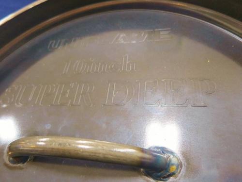 UNIFLAMEのダッチオーブン