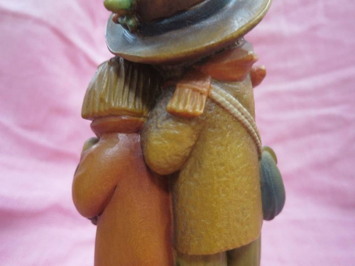 アンリ人形