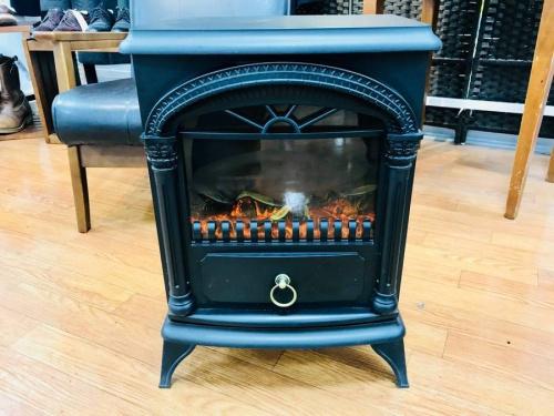 ニトリの暖炉ヒーター