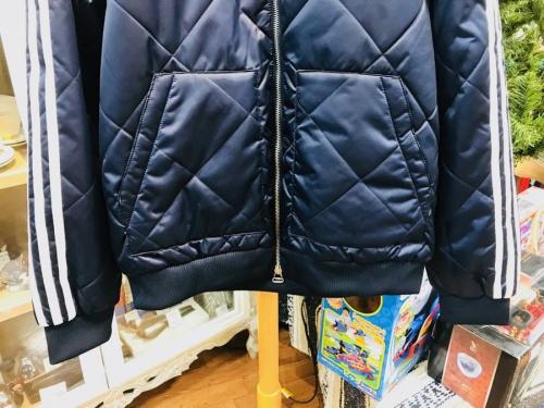 アディダス(adidas)の中央林間冬服