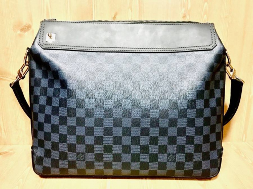 バッグのLOIUS VUITTON