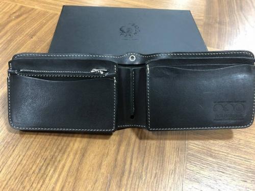 財布のRED MOON