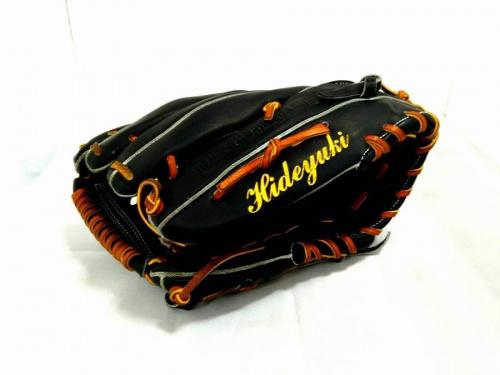 野球のUNDER ARMOUR