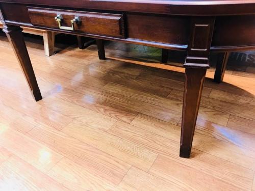 リビングテーブルのマルニ木工