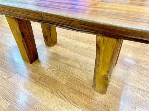 ベンチの木製