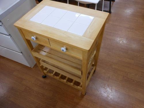 家具のキッチンワゴン