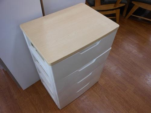 家具のウッドトップチェスト