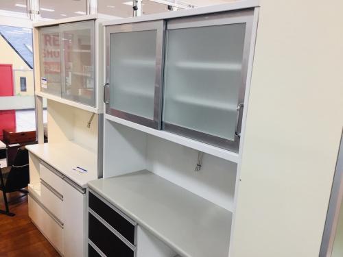 中古家具の中古カップボード・食器棚