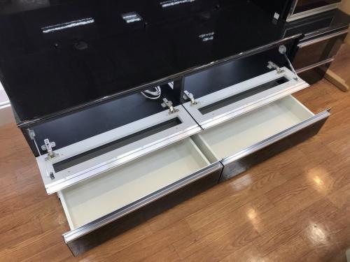 テレビボードのPamouna
