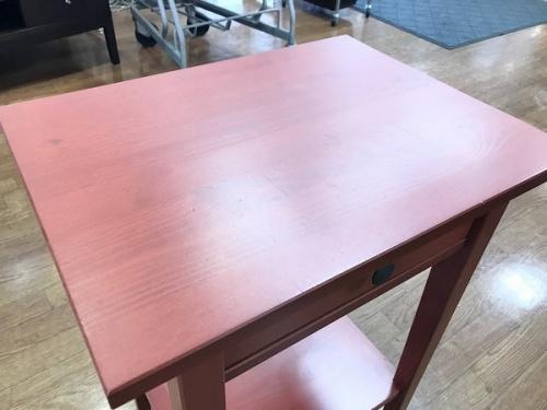 サイドテーブルのIKEA