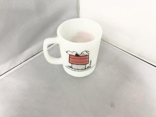 洋食器のマグカップ