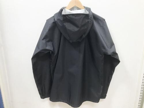 アウトドアジャケットのモンベル