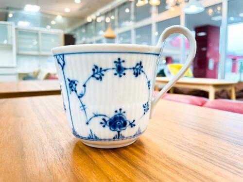 洋食器のハイハンドルマグカップ&ソーサー