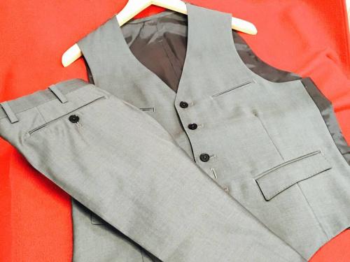 ブランド・ラグジュアリーのスーツ